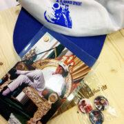 Cappellino, Cartolina e Spille